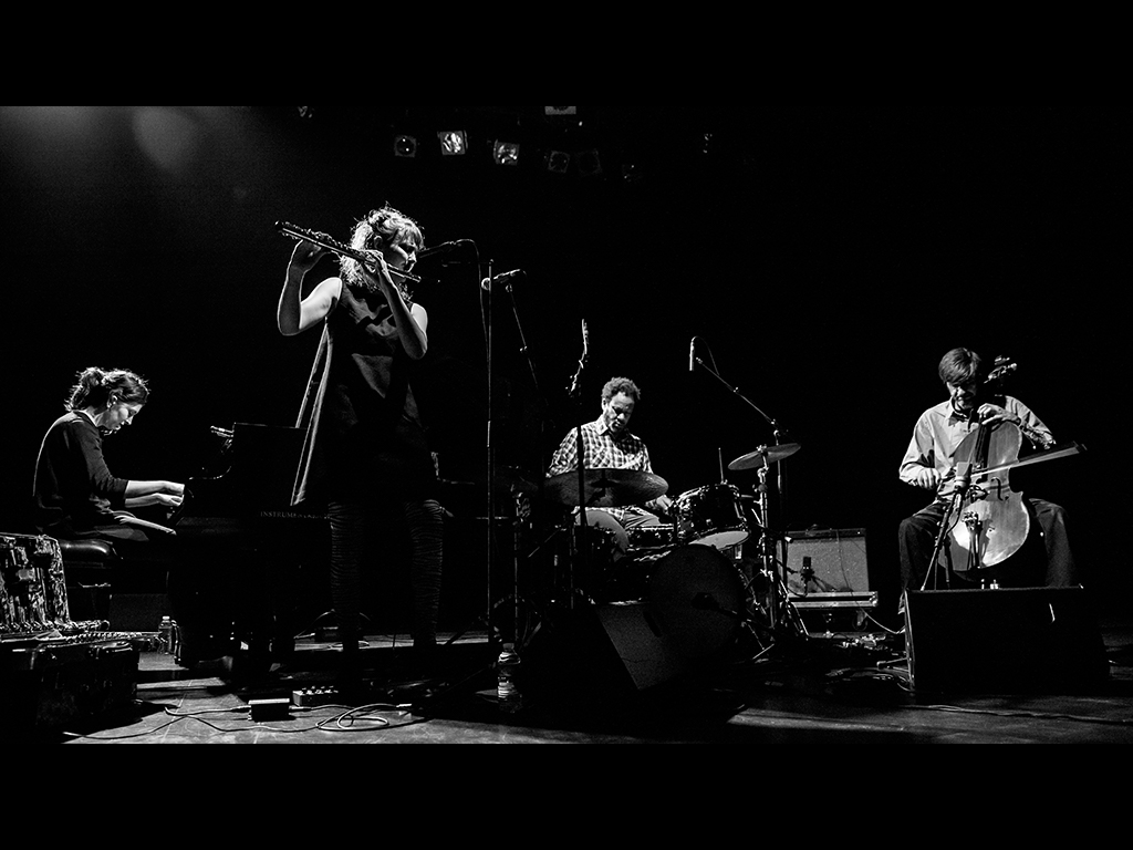 Passerelle : The Sync